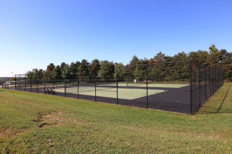 Apple Valley tennis court