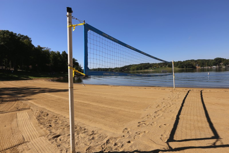 King beach volleyball net