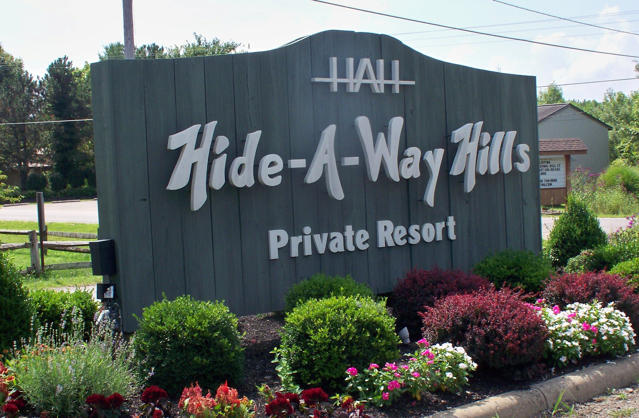 Hide-A-Way Hills Ohio Lake of Four Seasons